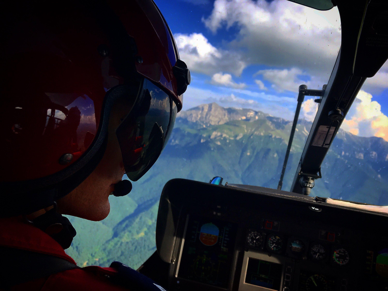 Viața unui pilot SMURD deasupra Bucureștiului